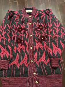 Warm sweater coat in large size