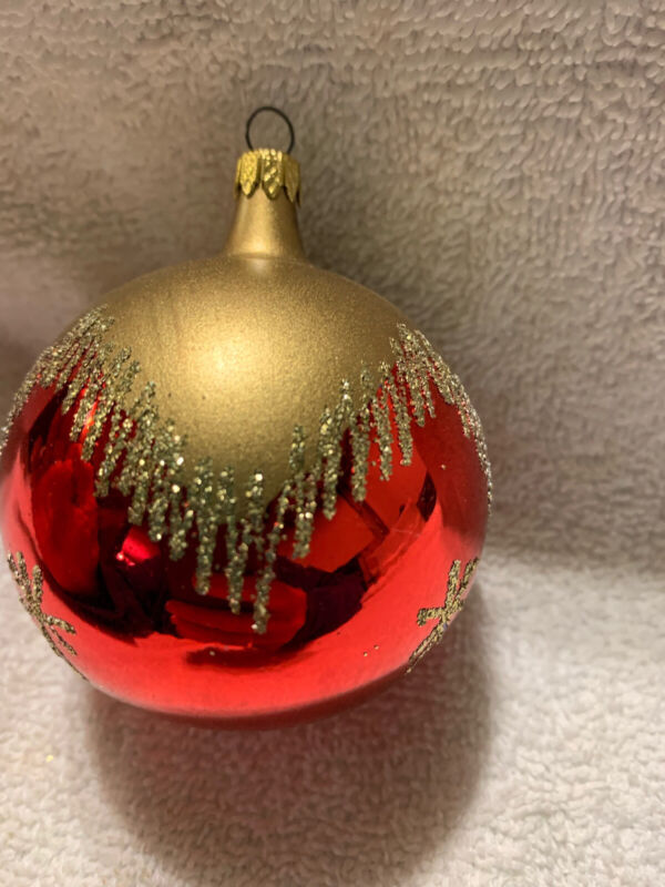 """Blown Glass Snow Capped Glass Christmas Tree Ornament W/ Snowflakes 3"""""""