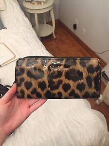 White Clutch and Jessica Simpson wallet  Windsor Region Ontario image 4