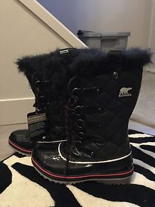Brand new woman sorel boots size 7-71/2