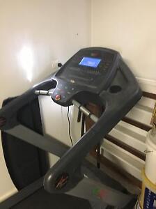 Go fit treadmill Hamilton South Newcastle Area Preview