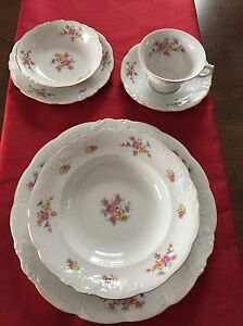 Wawel of Poland China Set - Pink Floral - 14-16place settings