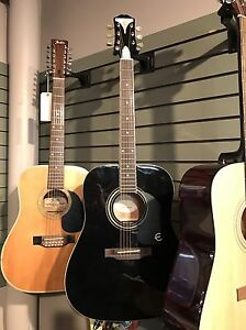Tons of vintage guitars with cases! Great gift idea Edmonton Edmonton Area image 3