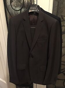 2 Men's Burberry Suits 500 each 38R Oakville / Halton Region Toronto (GTA) image 1