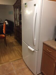 LG fridge  Stratford Kitchener Area image 1