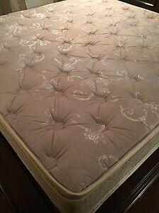 King size memory foam mattress London Ontario image 3