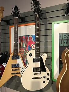 Tons of vintage guitars with cases! Great gift idea Edmonton Edmonton Area image 8