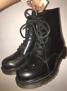 Black glossy boots - SIZE 7-8 women's Gordonvale Cairns City Preview