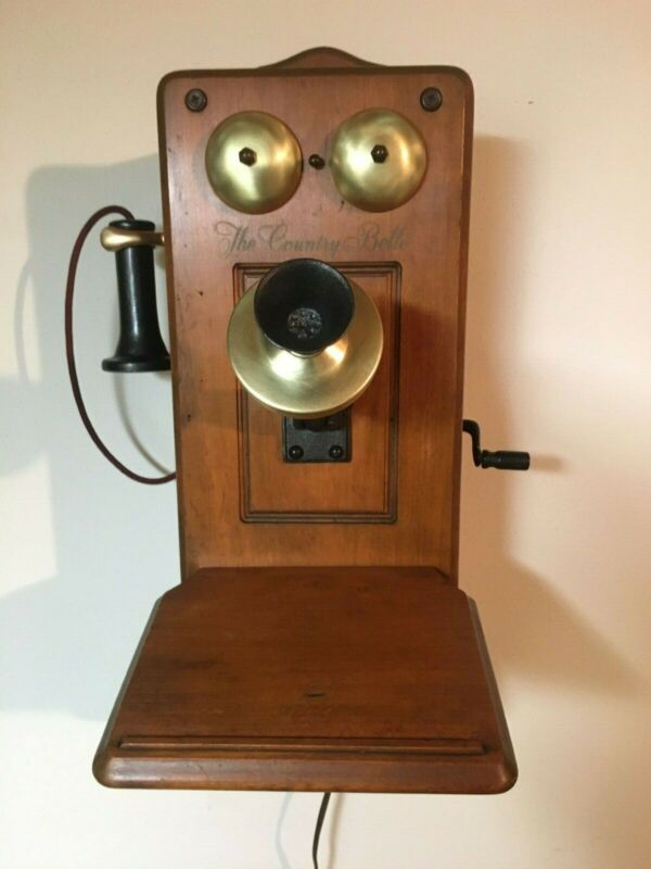 """Vintage Radio with Bluetooth:1955 Guild Radio Model 556 """"The Country Belle"""""""
