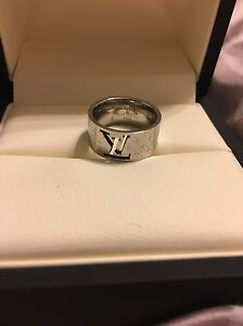Louis Vuitton rings  REDUCED  Prince George British Columbia image 4