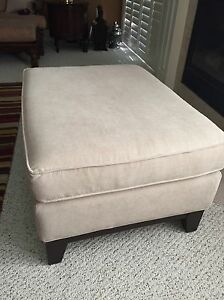Footstool/ottoman ... Brand new cream coloured large London Ontario image 2