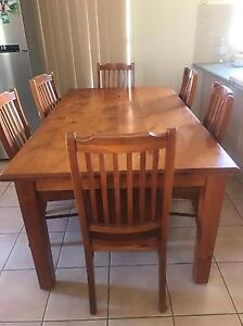 Timber 6 seater dining table Nowra Nowra-Bomaderry Preview