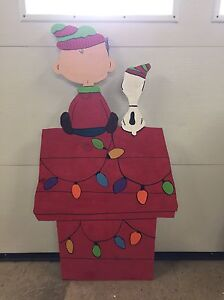 Wooden outdoor Charlie Brown and Snoopy.