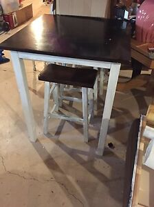 Bar table and 4 stools