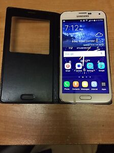 Samsung Galaxy S5 with S view cover and Gear Fit  Kingston Kingston Area image 1