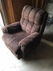 Brown lazy boy recliner