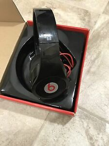 beats by dre headphones and bluedio headphones  West Island Greater Montréal image 4