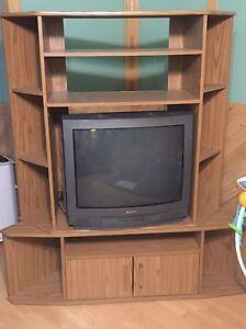 Meuble de Télévision en coin + Télévision