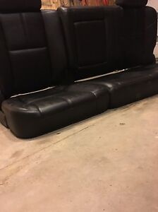 Leather rear seats out of 09 GMC Sierra