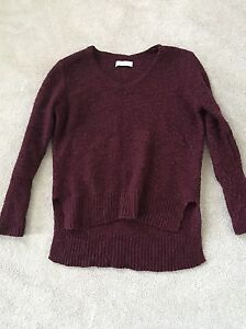 ABERCROMBIE & FITCH BURGUNDY KNIT SWEATER