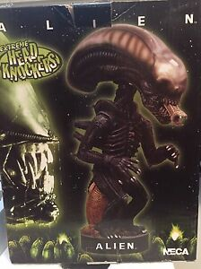NECA Extreme Head Knockers Alien Bobble Head