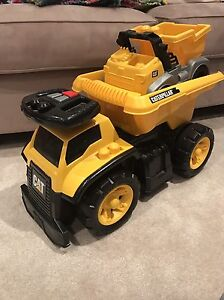 Mega Bloks Cat 3-in-1 Ride On Dump Truck Edmonton Edmonton Area image 3