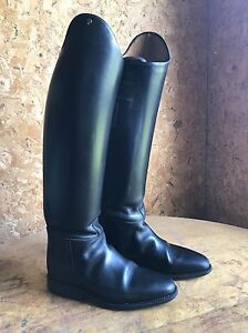 Petrie boots