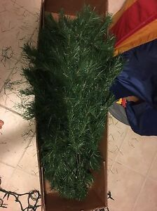 Free Christmas Tree. Needs support - PPU