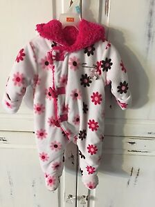 Baby snow suit Cornwall Ontario image 1