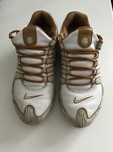 Nike shox NZ running shoes great condition London Ontario image 2