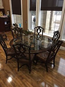 Dining table and chairs  Edmonton Edmonton Area image 1