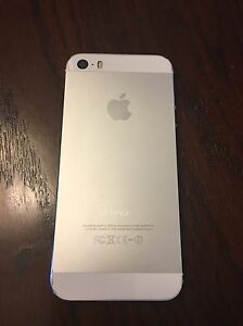 iPhone 5s 16gb Bell Sarnia Sarnia Area image 2