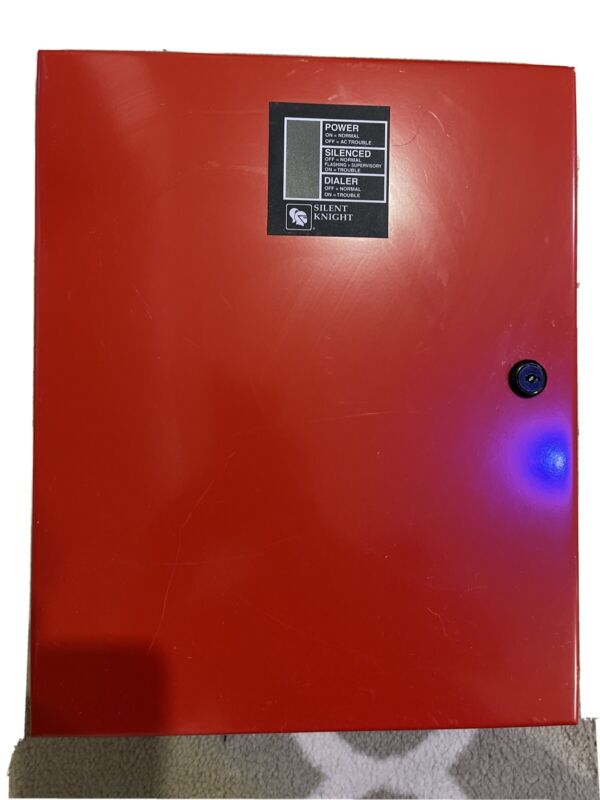 Silent knight 5104B Fire Alarm Panel/ Communicator dialer With Enclosure. USED!