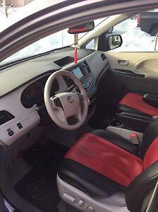 2013 Toyota Sienna Cambridge Kitchener Area image 6