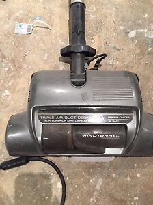 Hoover vacuum only 1 year old London Ontario image 3