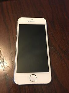 iPhone 5s 16gb Bell Sarnia Sarnia Area image 1