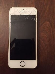 iPhone 5S gold 32 Gb cracked screen