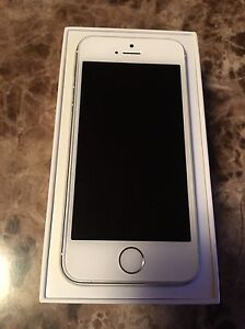 Mint condition iPhone 5s 64G