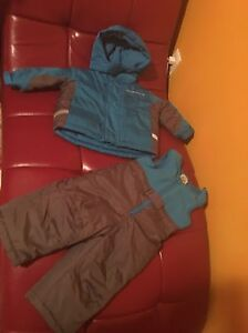 Snow suit size 12 months
