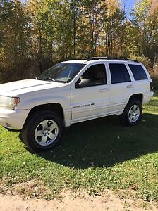 Lifted 2001 Jeep Grand Cherokee limited