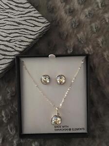 Jewellery set in box.  Brand new Keilor Lodge Brimbank Area Preview