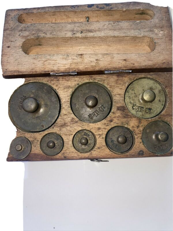antique wood box  vintage scale 8 weights only 2133 parts
