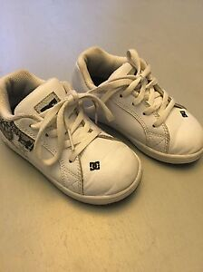 Toddler boys DC shoes - size 9