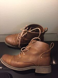 Ankle Booties Call It Spring (Size5) London Ontario image 3