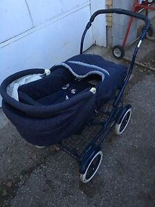 Baby buggy as new Graco  model # c74526 $95 London Ontario image 3