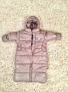 Mexx snow suit 0-3 months like new!