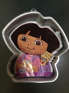 Dora the explorer cake tin