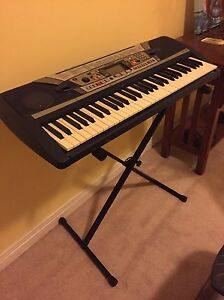 Yamaha keyboard with stand & pedal