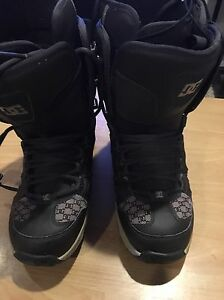 Woman's DC Snowboard boots