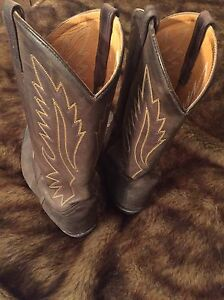 Old west cowboy boots-mens London Ontario image 2